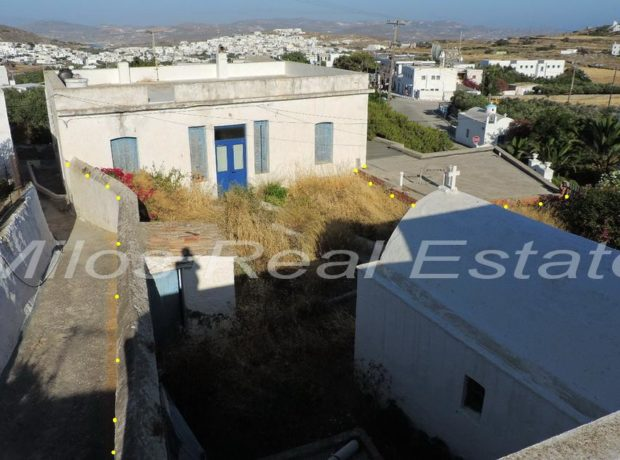 Traditional stone house in Plaka Milos for sale (160 m2)