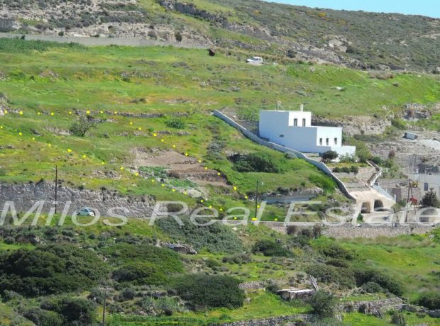 Land for sale 1.230 m2, Pera Triovasalos, Milos